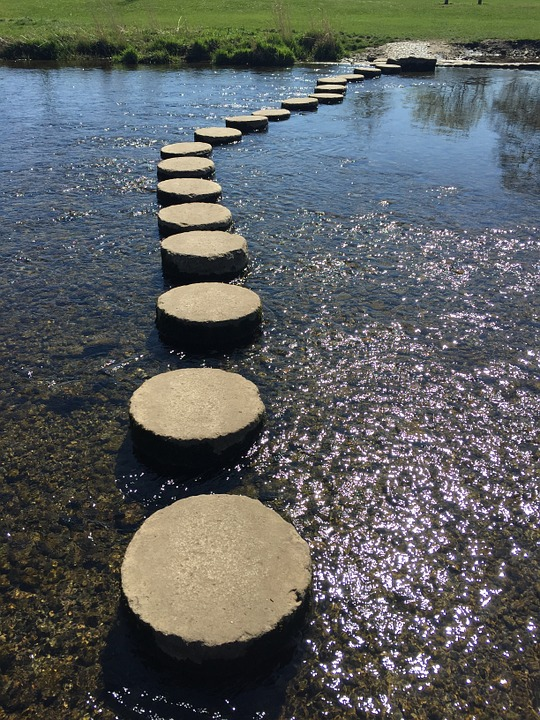 stepping-stones-763985_960_720