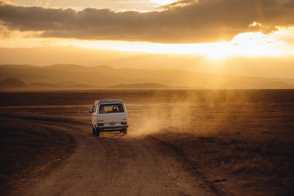 van-heading-to-the-hills