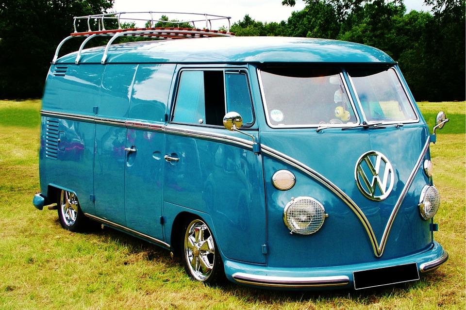 volkswagen-bus-blue