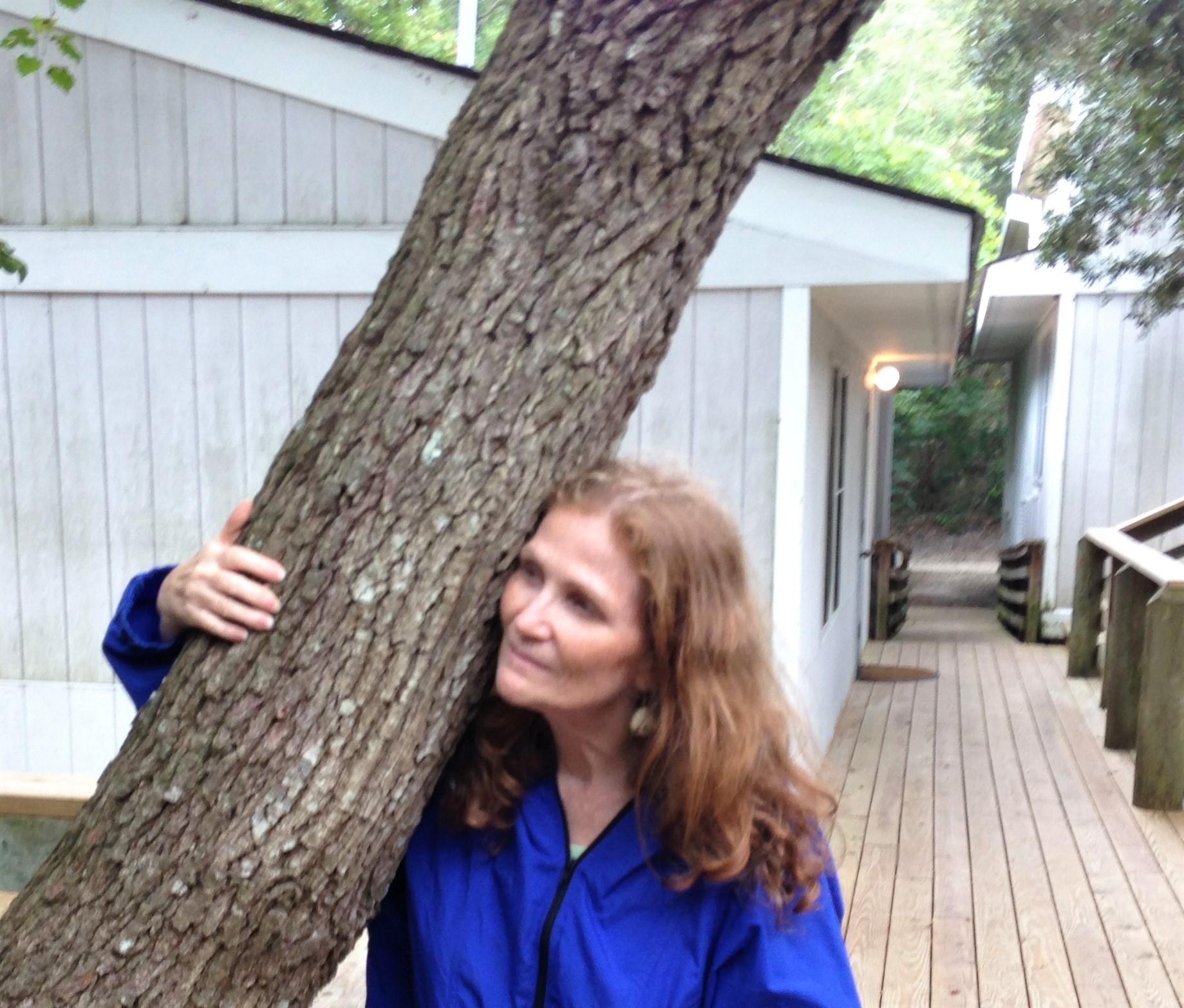 JoAnne w tree (2)