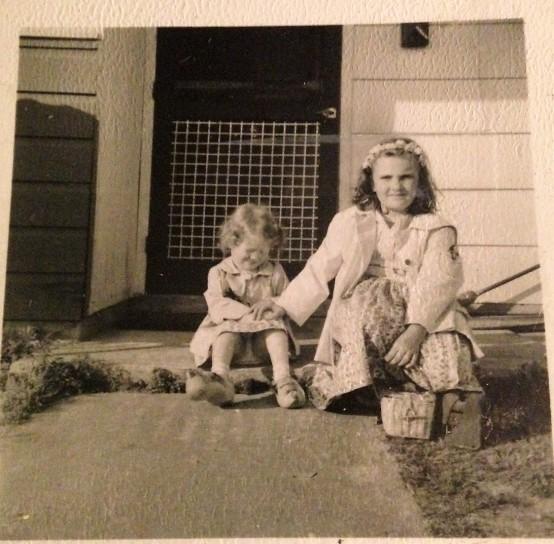 Little JoAnne and Linda