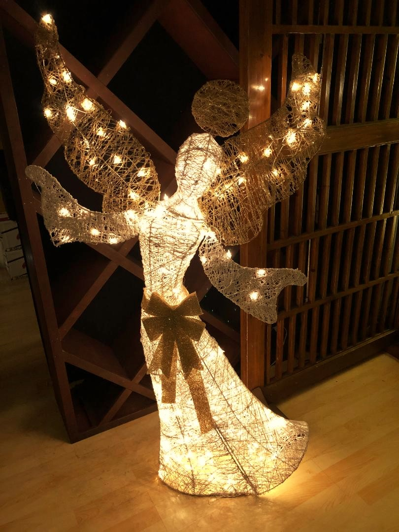 angel at Big Thai 2